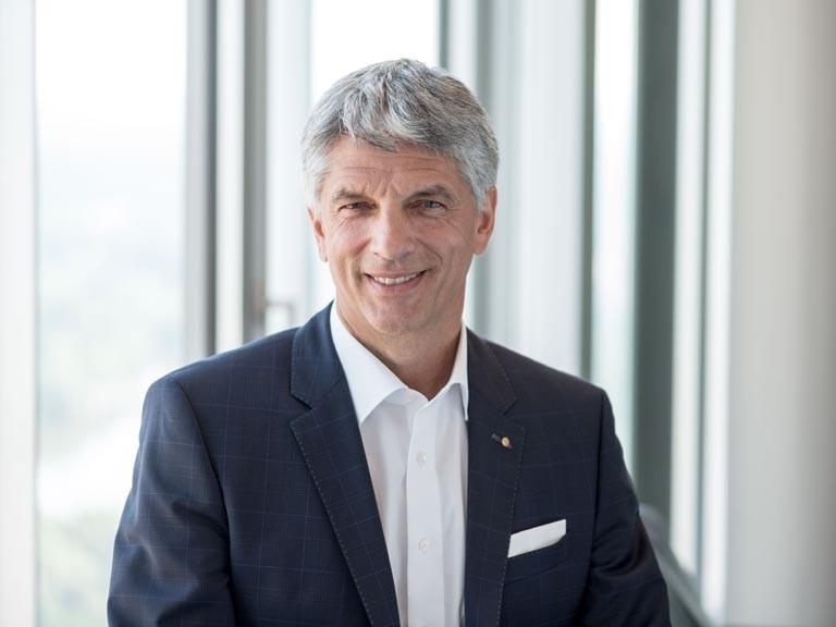 Herr Dr. Armin Zitzmann neuer IHK-Präsident